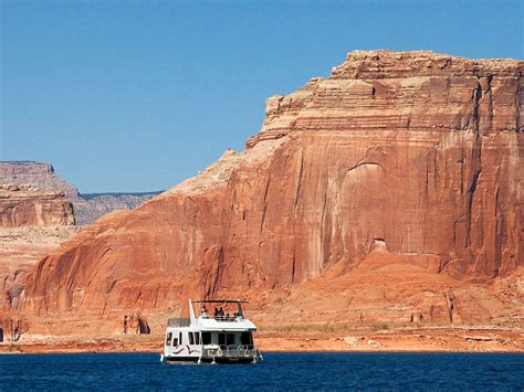 8 Awesome Houseboat Rentals Across the U